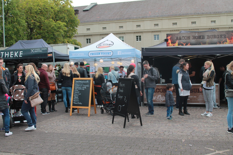 Großer Zulauf am Samstagnachmittag in Karlsruhe auf dem Street Food Festival