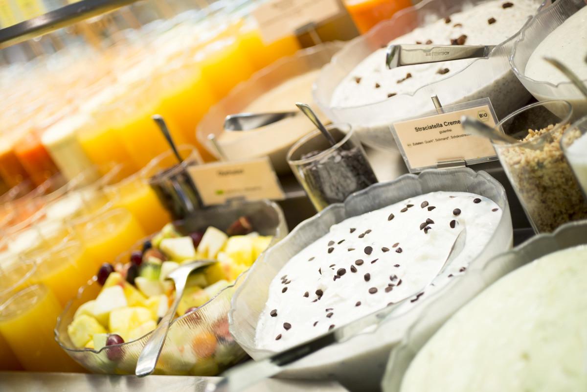 Desserts und Säfte