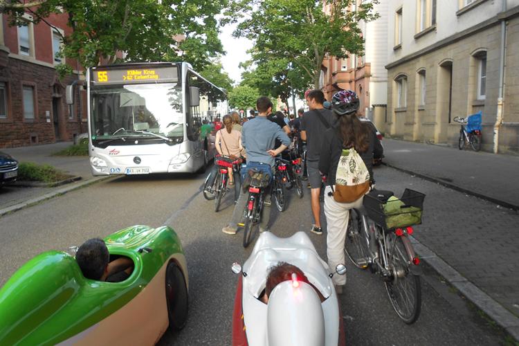 Critical Mass Karlsruhe: Gegenverkehr