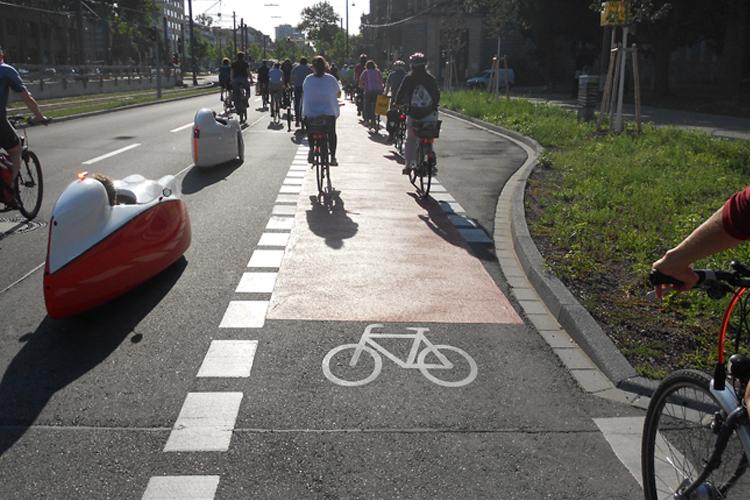 Die Critical Mass Karlsruhe zeigt, wie eine fahrradfreundlichere Stadt aussehen könnte
