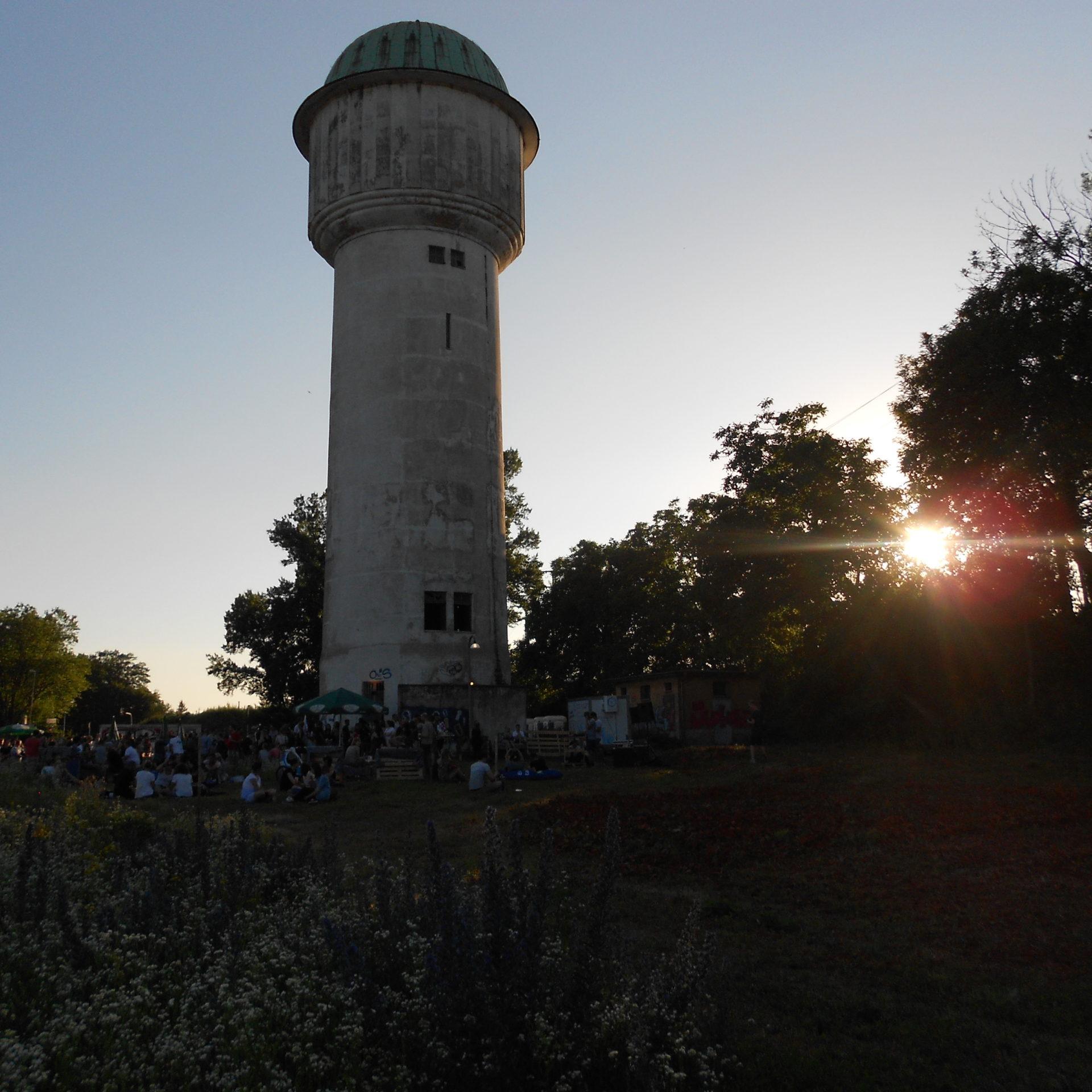 Die Pop-up Bar am Wasserturm beim Opening